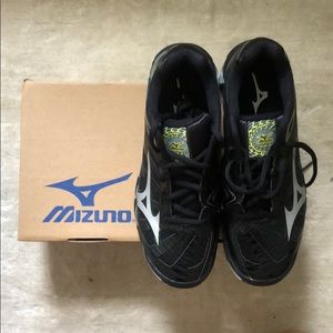 Brand New In Box Mizuno Volleyball Shoe Size 7.5